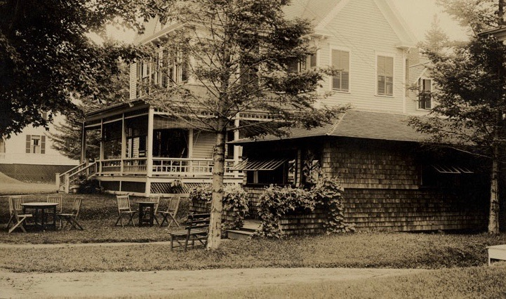 The Brown Betty Tearoom was built by Louise Foster in 1908. Courtesy of the Bethlehem Heritage Society.